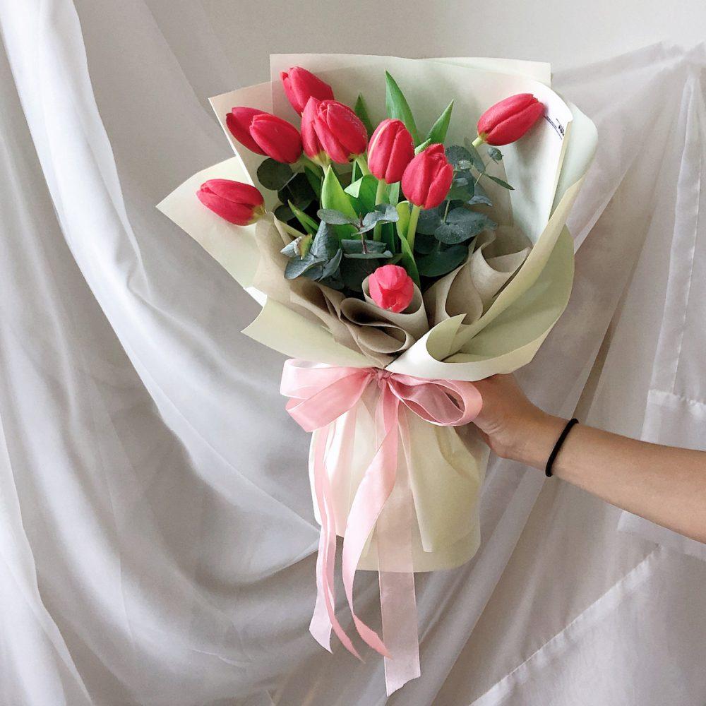 Red Tulips Bouquet - 10 stalks