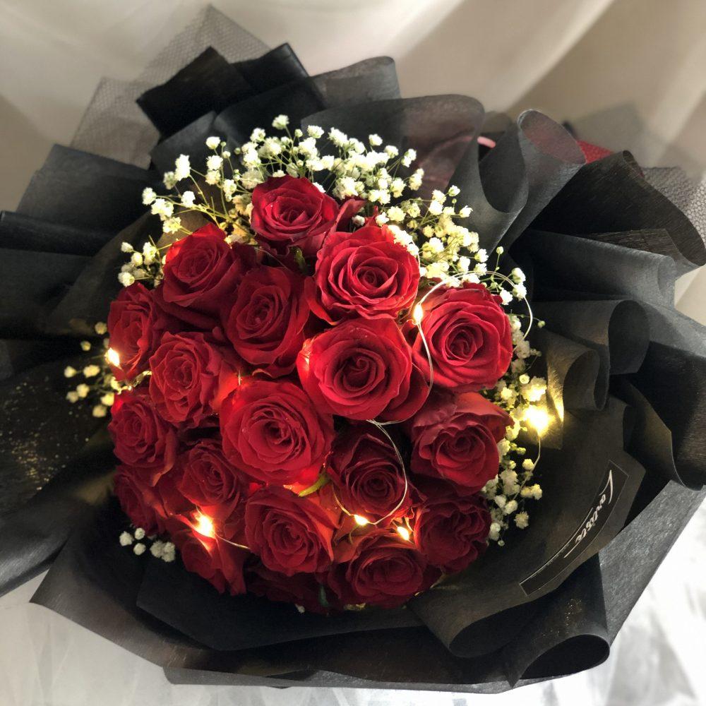 Red Rose Bouquet - 20 stalks + fairy light