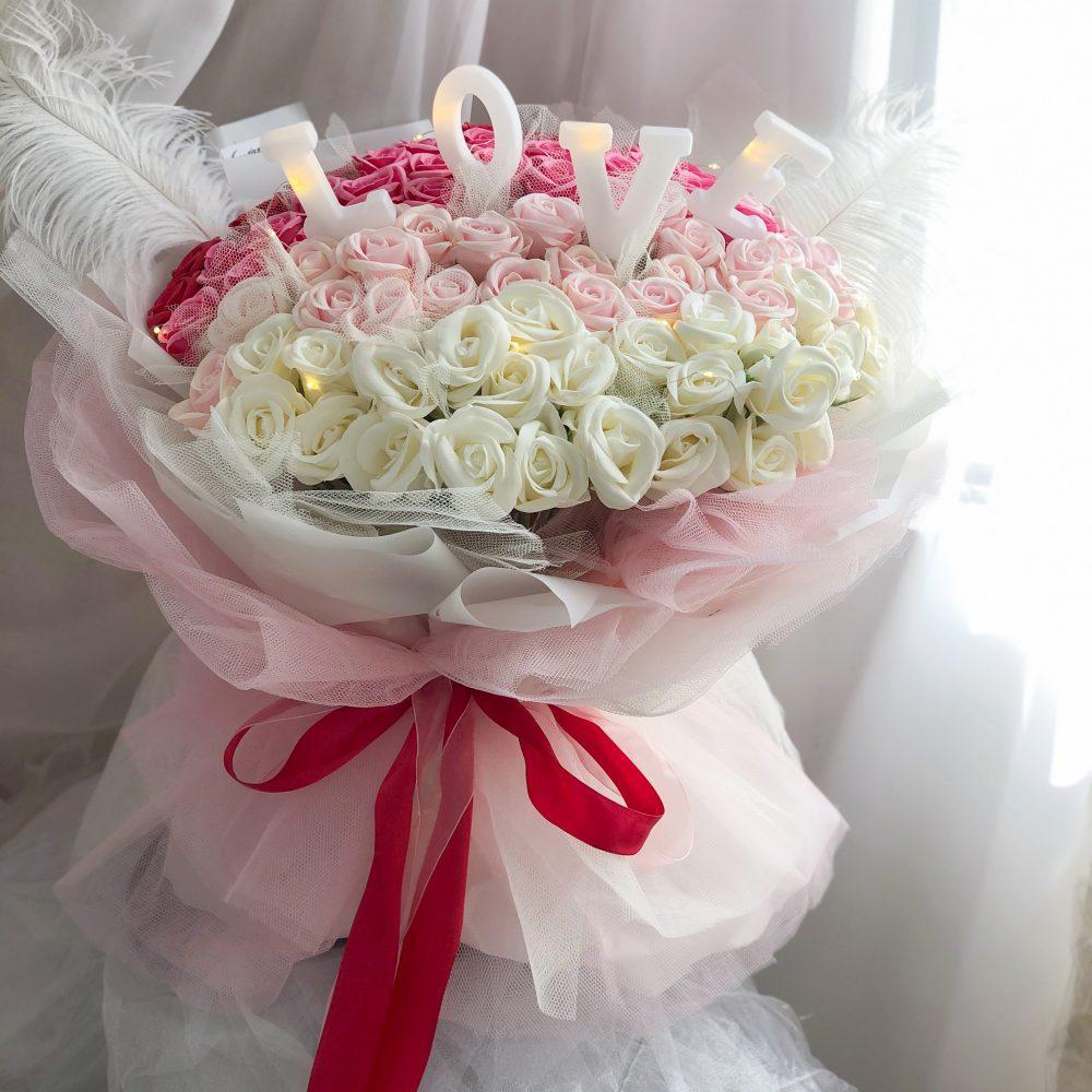 99 Soap Roses +3D lights bouquet
