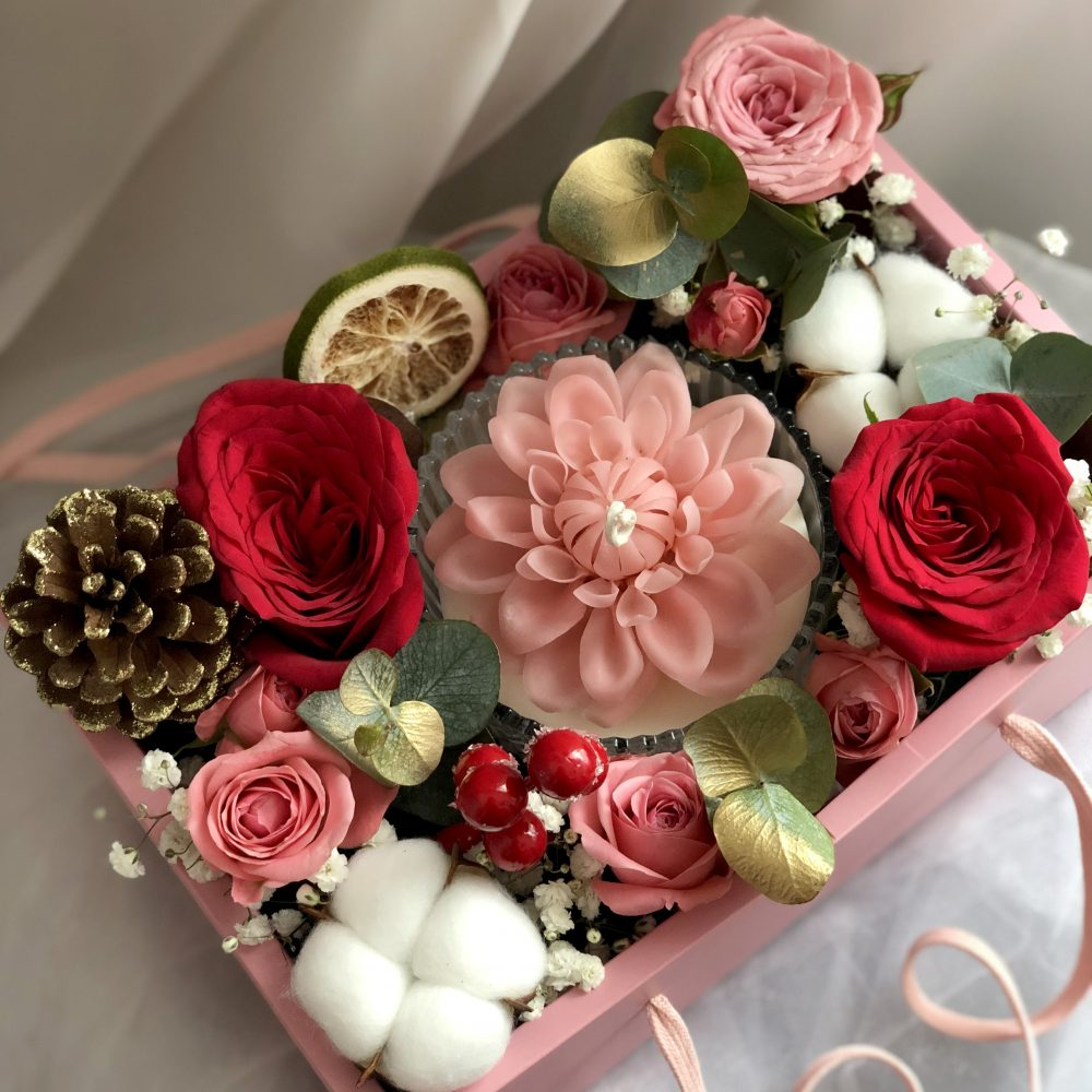 Christmas flower box with candle art