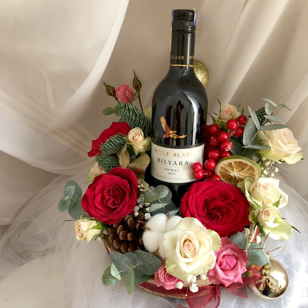 FlowerBox with red wine