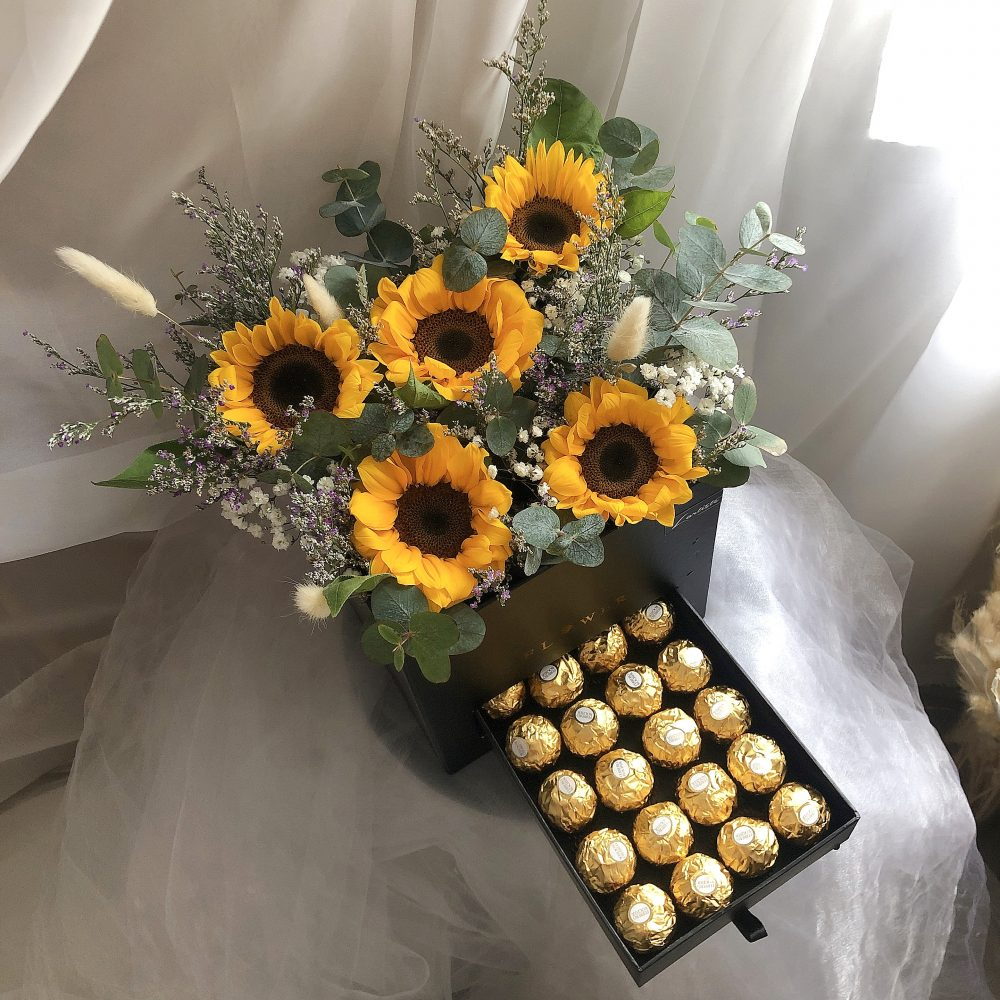 Sunflower drawer box with Ferrero Chocolate