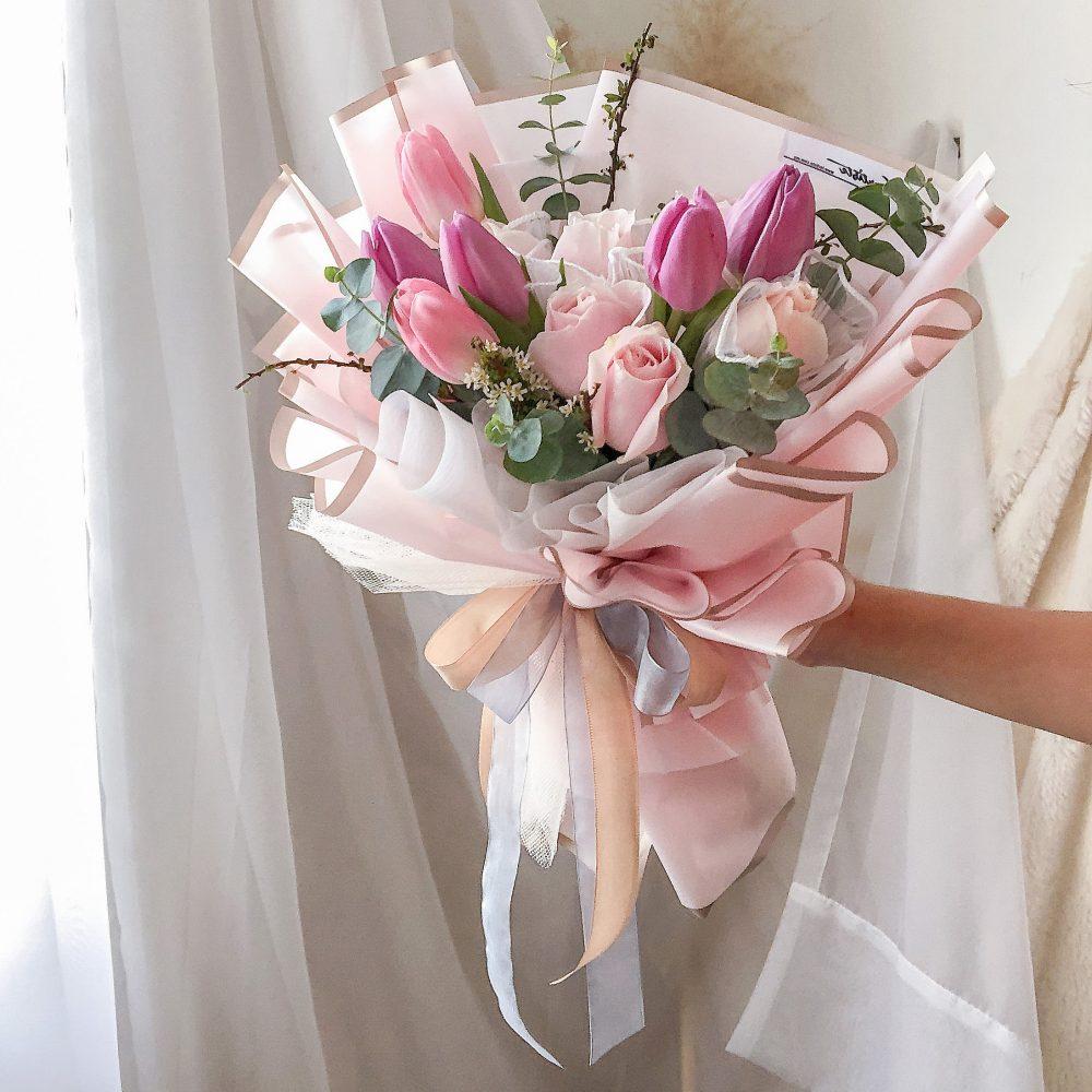 Tulips & Roses Bouquet 03