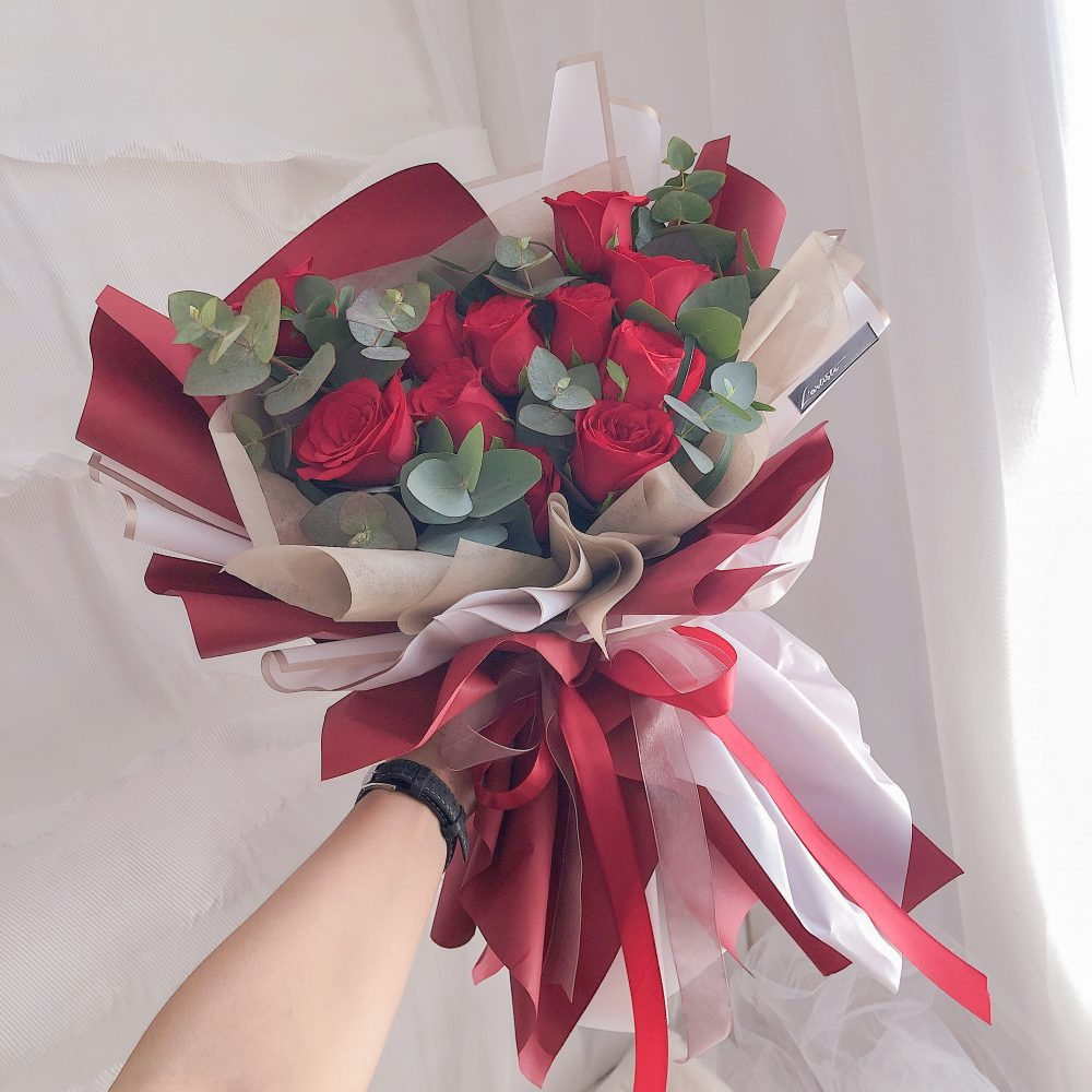 Red Roses Bouquet - 10 stalks