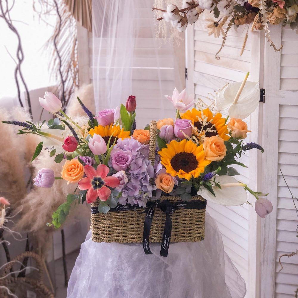 Premium Flowers Basket 02