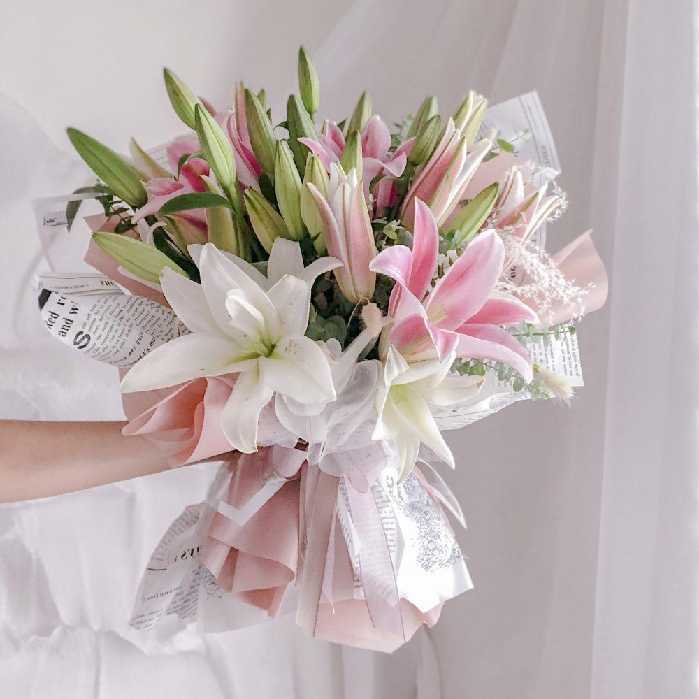 White & Pink Lilies Bouquet - 10 Stalks