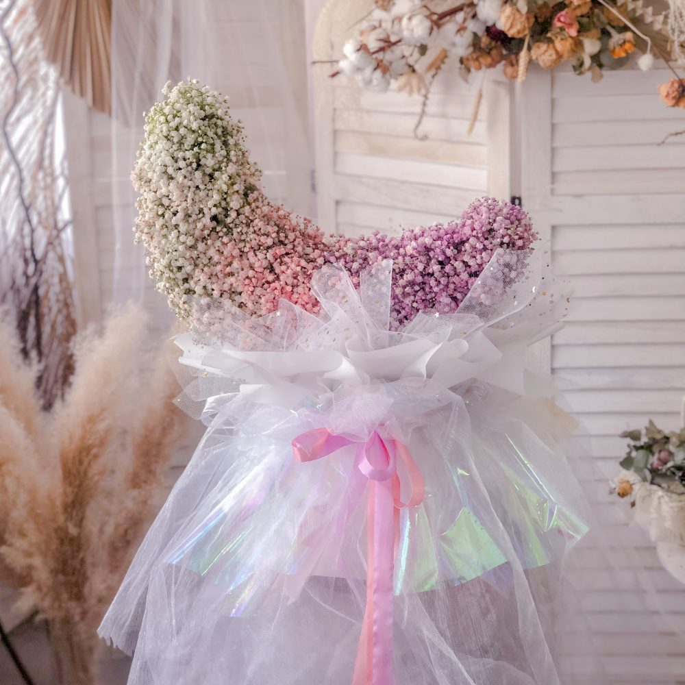 Moon Shape Babybreath Bouquet